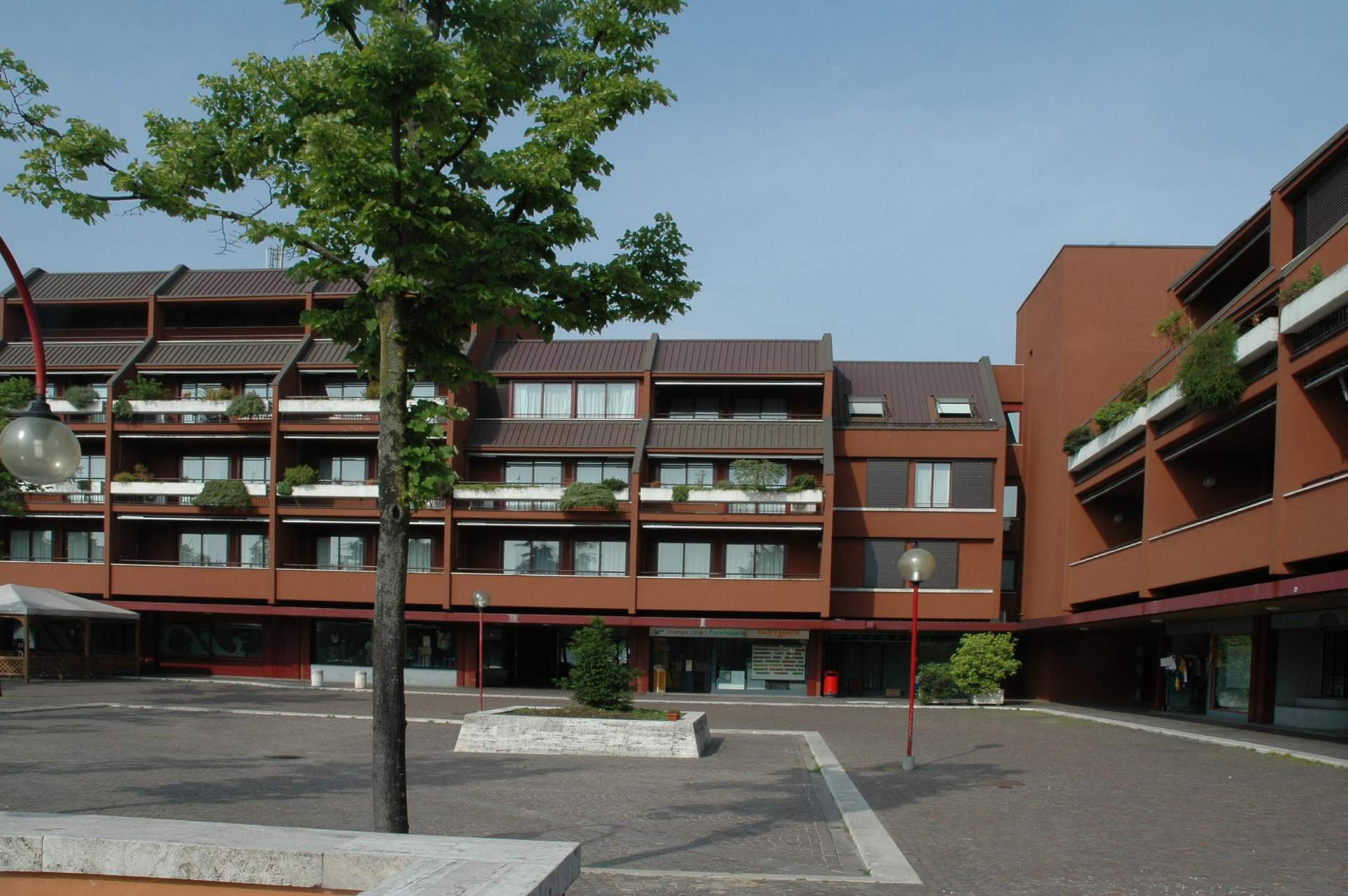Residential buildings milano 3 ragazzi and partners for Hotel arizona milano